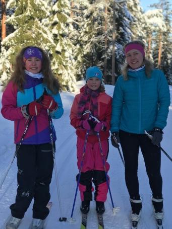 MadelenSunnivaLinda ski